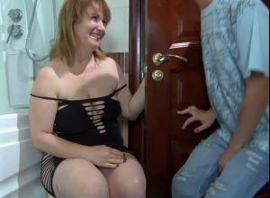 Порно Трахнул Маму В Душе Русское